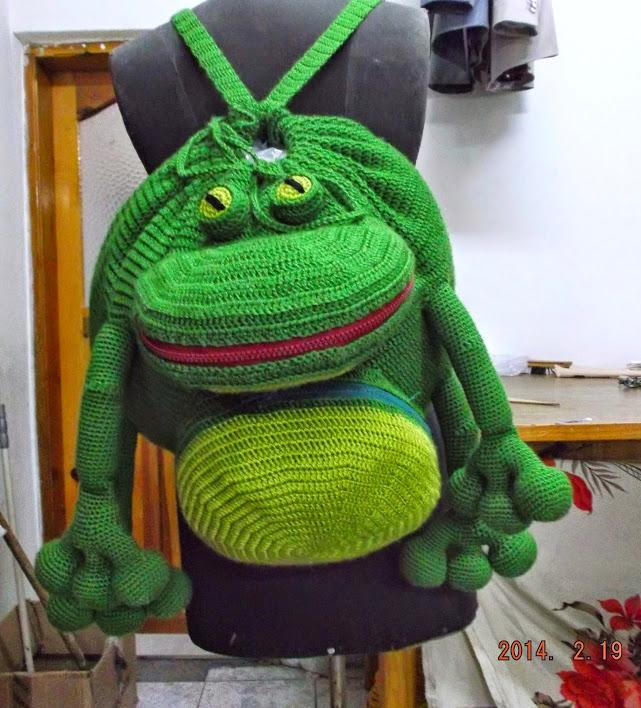 Örgü Kurbağa Sırt Çantası Modeli ve Yapılışı