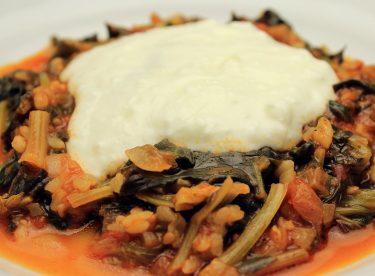 Etsiz Yoğurtlu Ispanak Yemeği Tarifi – Bulgurlu Ispanak Tarifi