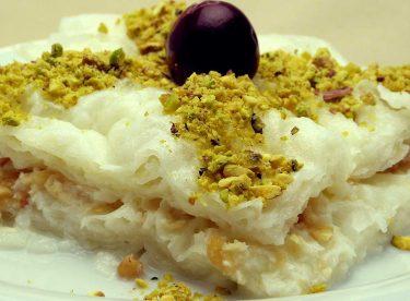 Güllaç Tarifi – Sütlü Ramazan Tatlısı Güllaç Nasıl Yapılır