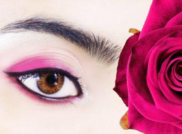 Kırmızı Göz Makyajı – Kırmızı Dudak Kalemi İle