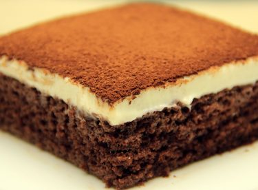 Piyano Kek Tarifi – Kakaolu Kremalı Ağlayan Yaş Pasta
