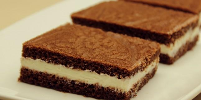 Süt Dilimi Tarifi – Kakaolu Kekiyle Süt Kremalı Yaş Pasta