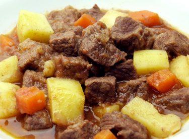 Tas Kebabı Tarifi – Dana Etli Kolay Yemek Tarifleri