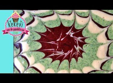 Üç Renkli Ebruli Kek – (Bir Sanat Eseri:)