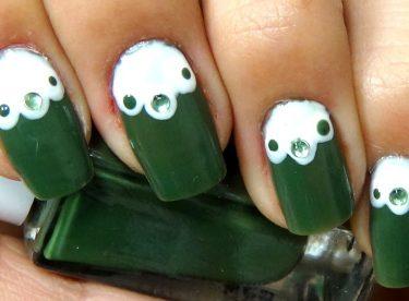 Yeşil ve Beyaz Taşlı Oje Modeli – Nail Arts