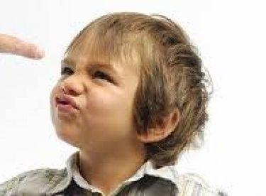 Çocuğunuzun yaramazlık yapma sebepleri ve çözümleri