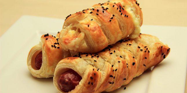 Örgü Milföy Börek Tarifi – Milföy Hamurundan Peynirli ve Sosisli Börek