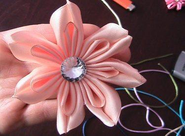 Kurdele ile Çiçek Nasıl Yapılır