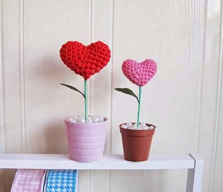 Örgü Tığ İşi Kalpli Çiçek Yapılışı