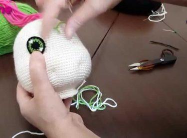 Çilek Kız Göz Yapılışı Örgü Oyuncak Amigurumi