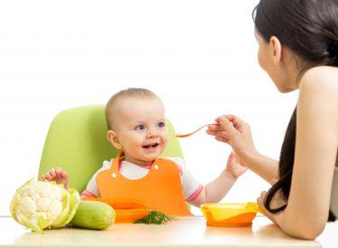 Yeni Doğan Bebekler İçin Beslenme Malzemeleri