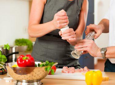 Her Kadın Bir Aşçıdır