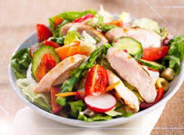 Tavuklu Yaz Salatası