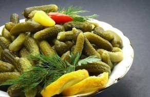 ev-yapimi-salatalik-tursusu-tarifi-1